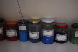 Alle potjes op een rij...... met pigmentpoeder!